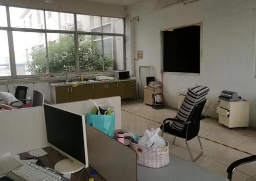三井河海西路二楼厂房出租950㎡,有货梯,环氧地坪